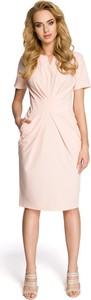 Różowa sukienka Merg midi z dekoltem w kształcie litery v prosta