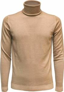Brązowy sweter Roberto Collina w stylu casual