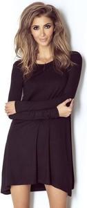 Sukienka Wow Fashion oversize z okrągłym dekoltem z długim rękawem