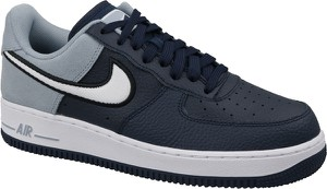 Granatowe buty sportowe Nike sznurowane ze skóry w sportowym stylu