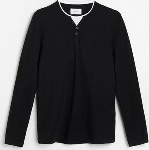 Czarny t-shirt Reserved z długim rękawem w stylu casual