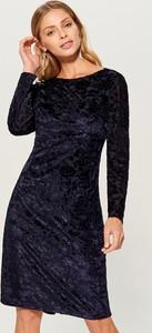 Niebieska sukienka Mohito z tkaniny midi