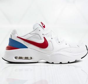 Buty sportowe Nike ze skóry w sportowym stylu