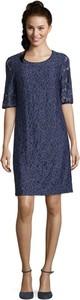 Niebieska sukienka Betty Barclay z okrągłym dekoltem z długim rękawem