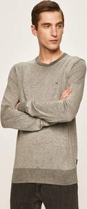 Sweter Calvin Klein z jedwabiu
