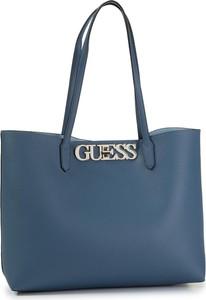 Niebieska torebka Guess matowa na ramię