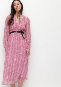 Różowa sukienka Reserved z dekoltem w kształcie litery v z tkaniny