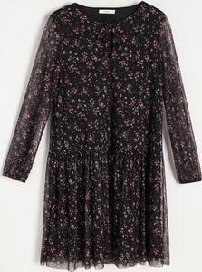 Sukienka Reserved mini trapezowa z okrągłym dekoltem