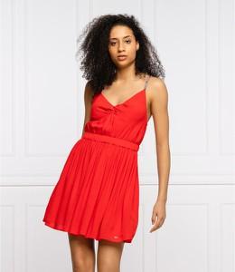 Czerwona sukienka Tommy Jeans bombka na ramiączkach mini