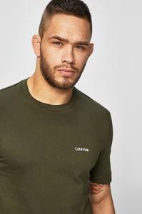 Zielony t-shirt Calvin Klein z krótkim rękawem z bawełny