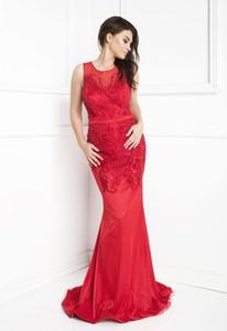 Czerwona sukienka Marcelini z tiulu dopasowana