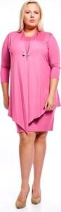 Różowa sukienka Fokus ołówkowa z długim rękawem z okrągłym dekoltem