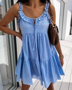 Sukienka Kendallme na ramiączkach z dekoltem w kształcie litery v mini