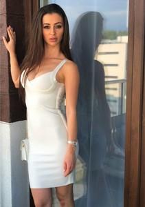 Sukienka Smlfashion.pl mini bandażowa z dekoltem w kształcie litery v