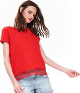 Czerwony t-shirt Top Secret z krótkim rękawem
