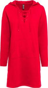 Czerwona sukienka bonprix RAINBOW z dzianiny z dekoltem w kształcie litery v w sportowym stylu