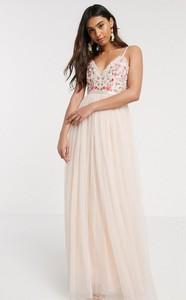Różowa sukienka Needle & Thread z żakardu