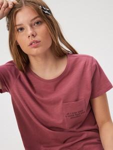 Różowy t-shirt Sinsay z krótkim rękawem z okrągłym dekoltem w stylu casual
