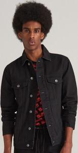 Czarna kurtka Reserved w street stylu