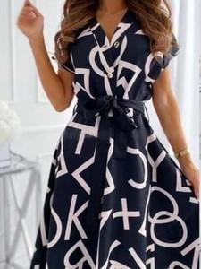 Sukienka Elegrina mini z dekoltem w kształcie litery v z krótkim rękawem