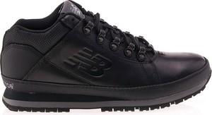 Czarne buty zimowe New Balance w sportowym stylu