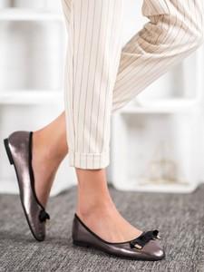 Baleriny Czasnabuty w stylu casual z płaską podeszwą