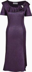 Sukienka Fokus z tkaniny dla puszystych z krótkim rękawem
