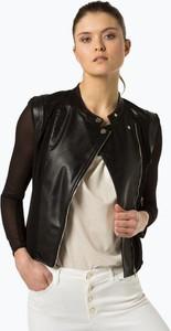 d7159e40f6264 Czarna kurtka Guess Jeans z szyfonu w rockowym stylu krótka