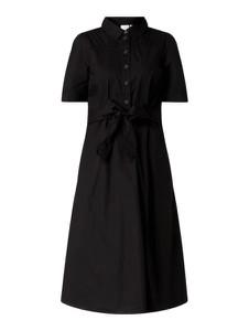 Czarna sukienka Vila z krótkim rękawem