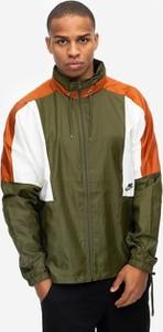 Zielona kurtka Nike z tkaniny