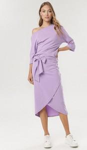 Fioletowa sukienka born2be w stylu casual z długim rękawem midi