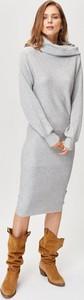 Sukienka FEMESTAGE Eva Minge w stylu casual midi z golfem