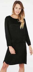 Czarna sukienka Unisono w stylu klasycznym midi prosta
