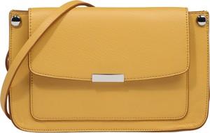 Żółta torebka Esprit ze skóry na ramię