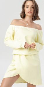 Sukienka born2be mini z odkrytymi ramionami z długim rękawem