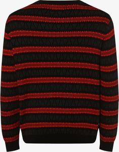 Czerwony sweter Urbn Saint w młodzieżowym stylu