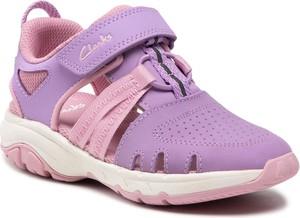 Fioletowe buty dziecięce letnie Clarks na rzepy