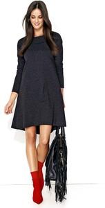 Czarna sukienka Makadamia z długim rękawem z okrągłym dekoltem