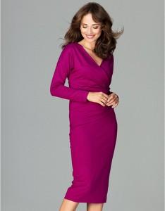 Różowa sukienka LENITIF z dekoltem w kształcie litery v midi
