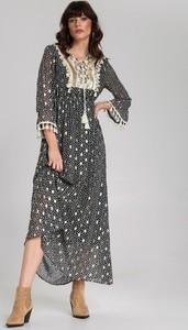 Sukienka Renee w stylu casual z długim rękawem