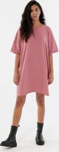 Różowa sukienka Outhorn z krótkim rękawem