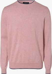Różowy sweter Andrew James z dzianiny