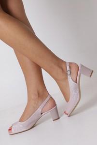 Różowe sandały Sergio Leone z klamrami