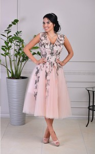30b33a0f011f15 tiulowa sukienka - stylowo i modnie z Allani