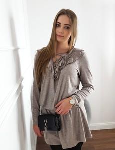 c60f55fc41 Sukienka Lamaja Butik z długim rękawem z żabotem