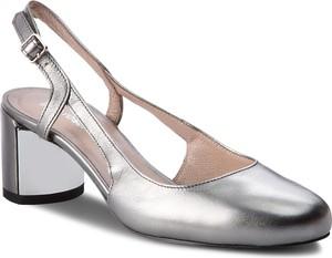 Sandały gino rossi w stylu casual z klamrami na obcasie