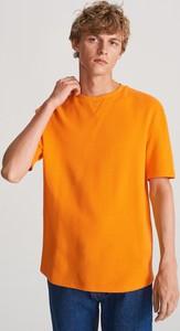 Pomarańczowy t-shirt Reserved z dzianiny z krótkim rękawem
