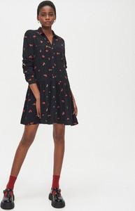 Czarna sukienka Cropp mini z długim rękawem