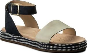Sandały Clarks z klamrami w stylu klasycznym ze skóry