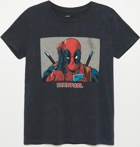 T-shirt Cropp z okrągłym dekoltem w młodzieżowym stylu z krótkim rękawem